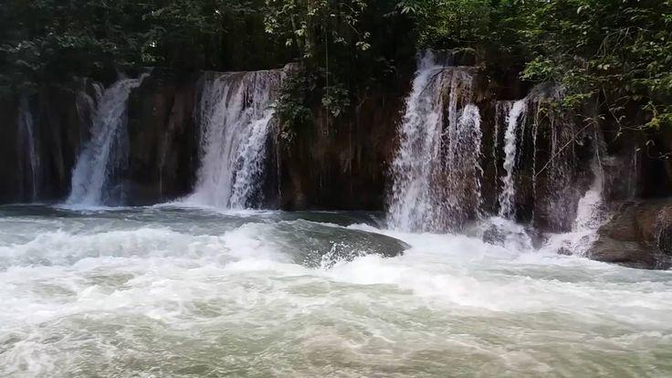 Air Terjun Tetewa di Tengah Hutan Belantara Sulawesi Tenggara - Sulawesi Tenggara