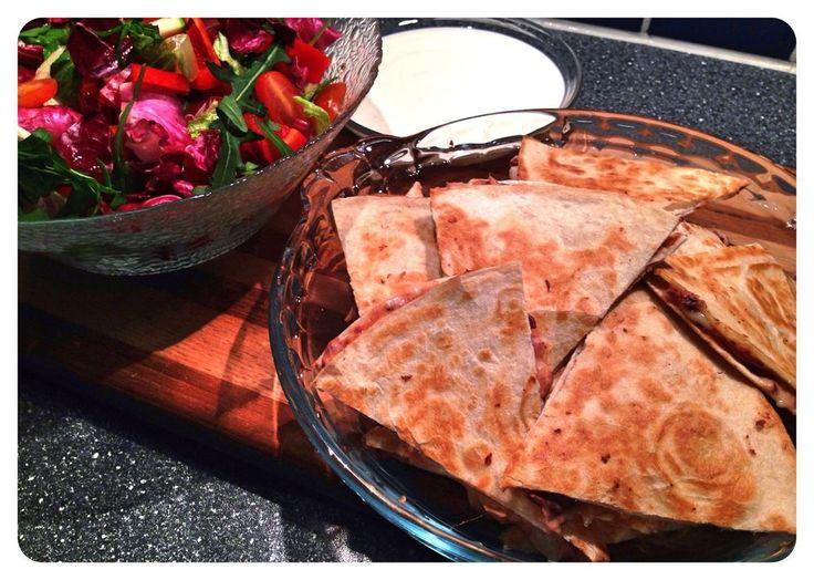 Quesadillas med kryddig bönröra