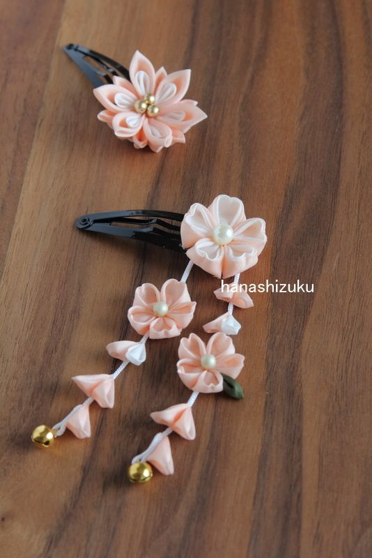 #ribbon #flowers #origami #fabricorigami #kanzashi #lace #leaves #insect…