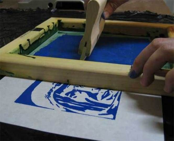 silk screen-no need for vacuum table, can expose screen under glass like solar plate.
