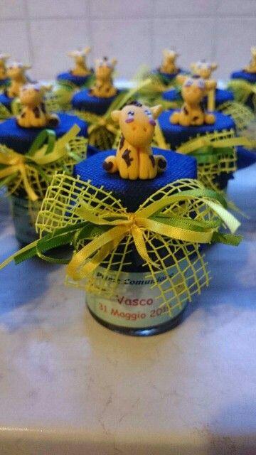 Bomboniera realizzata con prodotti dell'azienda agricola Agripassione di Borin Laura e Fassone Alessandro.La giraffina realizzata in Fimo senza uso di stampi da Goccioledi Rugiada Creazioni in Fimo,