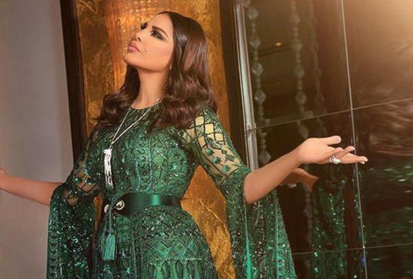فساتين خطوبة بأحزمة من وحي النجمات دنيا الوطن أحلام من التصميمات التي يركز عليها مصممو الأزياء بشدة هو اعتماد حزام الخصر Long Sleeve Dress Fashion Dresses