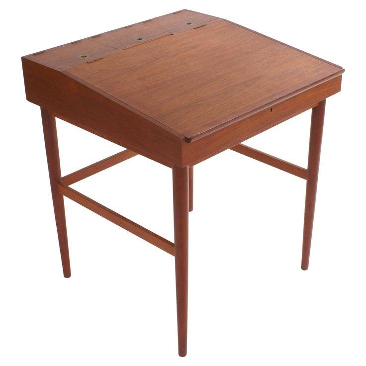 Finn Juhl NV40 Writing Desk for Niels Vodder | 1stdibs.com