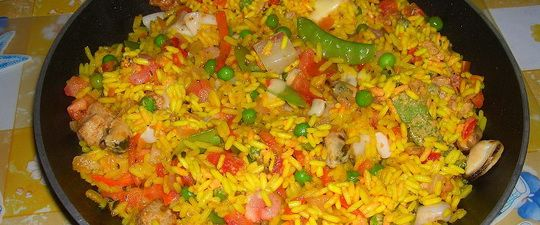 Рецепты диетических блюд с рисом: плов с овощами и сухофруктами, фаршированный перец