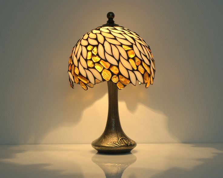 New table lamp bedside lamp 8 amber lampshade stained glass lamp