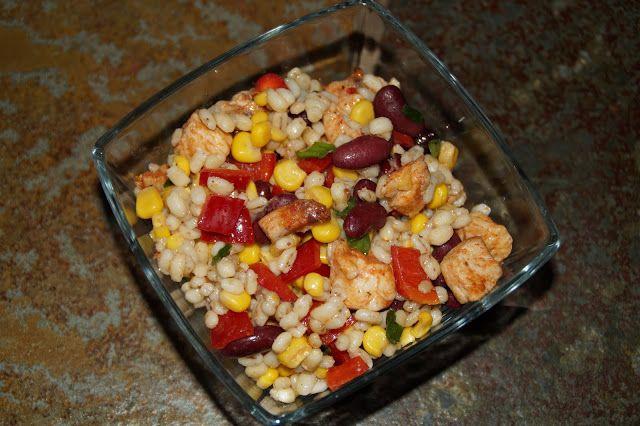 Kulinarna pasja: Sałatka z kaszy jęczmiennej po meksykańsku