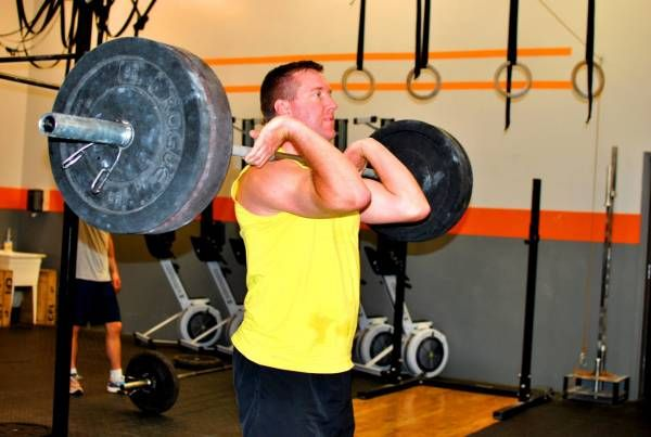 front squat, front squatting, how to front squat, front squat tips