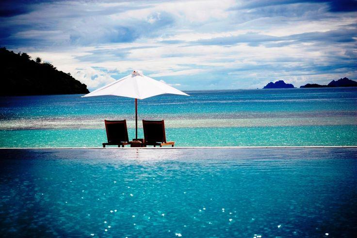 Infinity Pool at Likuliku Lagoon Resort (Malolo Island, Fiji)