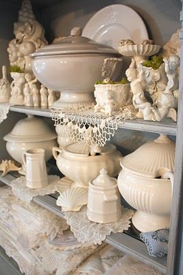 Lovely display of ironstone: Ideas, Traditional Dining Rooms, Romantic Homes, Lace Doilies, White Ironston, Shabby Chic Design, Cottages Design, French Cottages, Photo