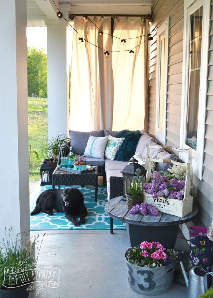 Country Farmhouse Boho Porch at the diy mommy
