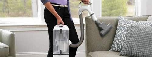 What are the typical features to consider while looking at best vacuum for pet?