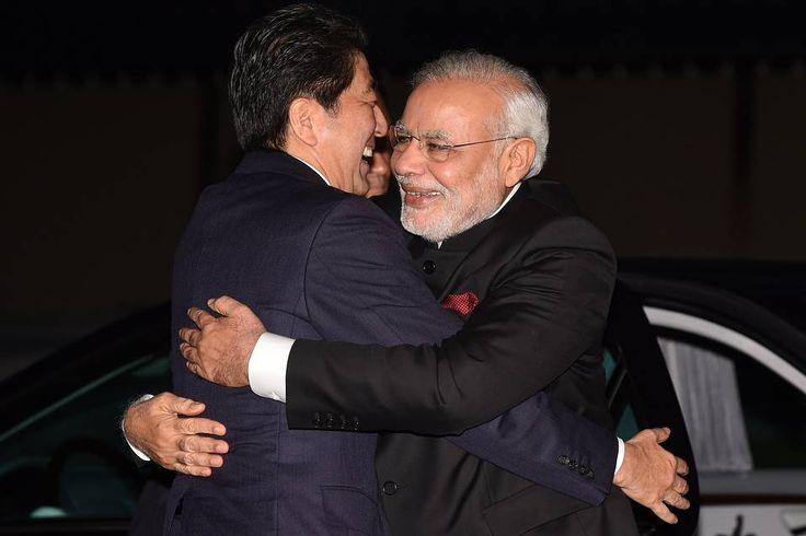 モディ印首相はハグがお好き