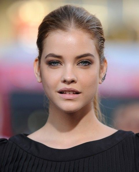 Barbara Palvin Photos Photos - 'Hercules' premieres at the TCL Chinese Theatre in Hollywood. - 'Hercules' Premieres in Hollywood