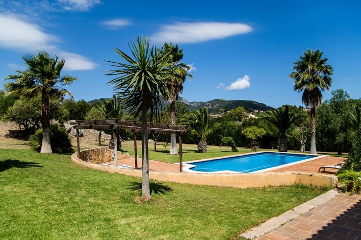 Establiments, West Coast: Beautiful finca with pool and garden in Establiments. 3 bedrooms, 3 bathrooms, 3 200 €/ month. Enjoy the mallorquin country side!