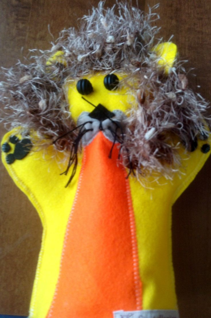 Lion puppet Design Sinipellavainen