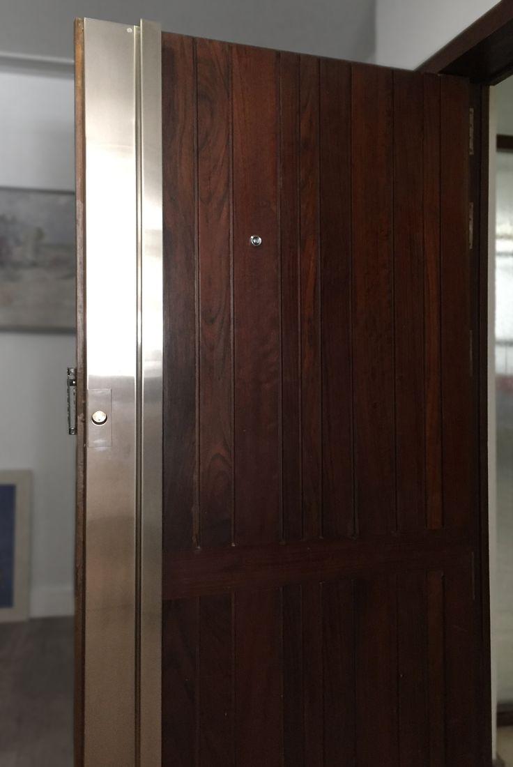 Restauración de puerta de entrada