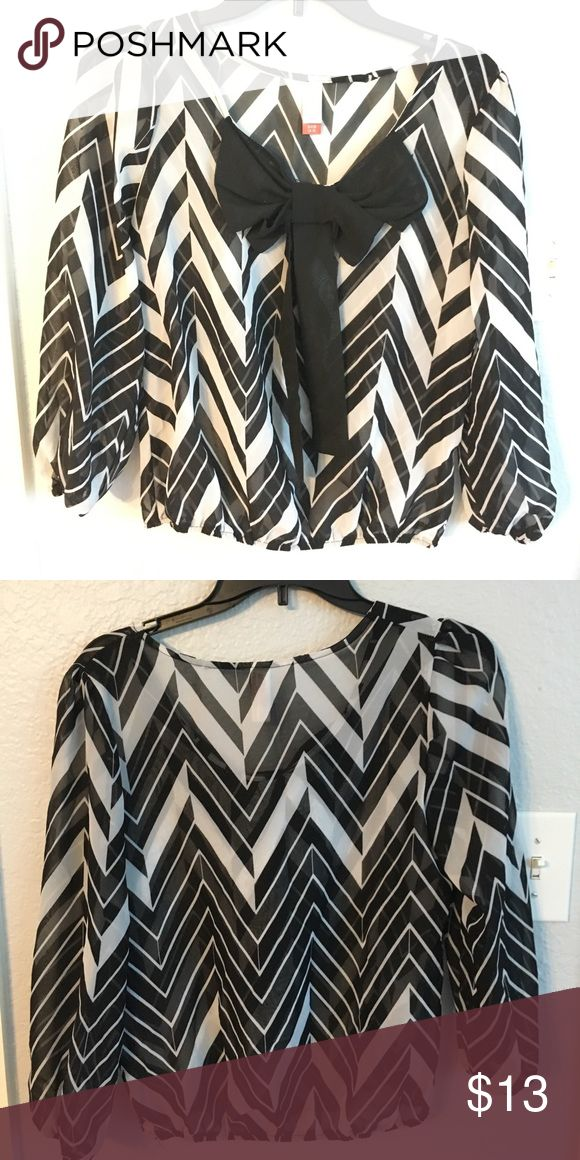 sheer chevron top this shirt is so cute and very sheer Tops Blouses