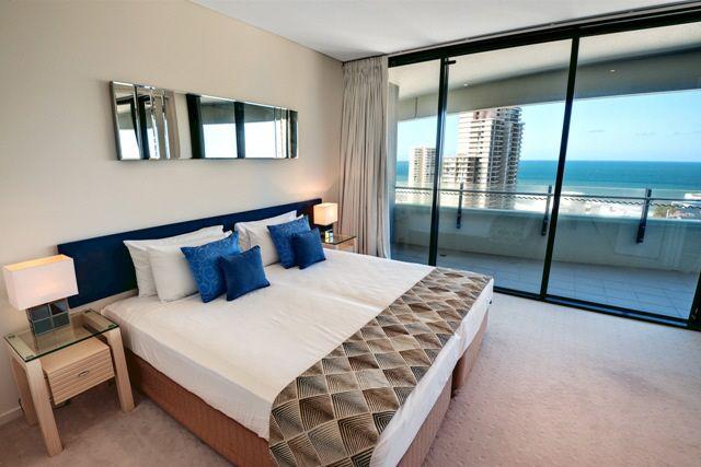 2 Bedroom Water View - Master Bedroom