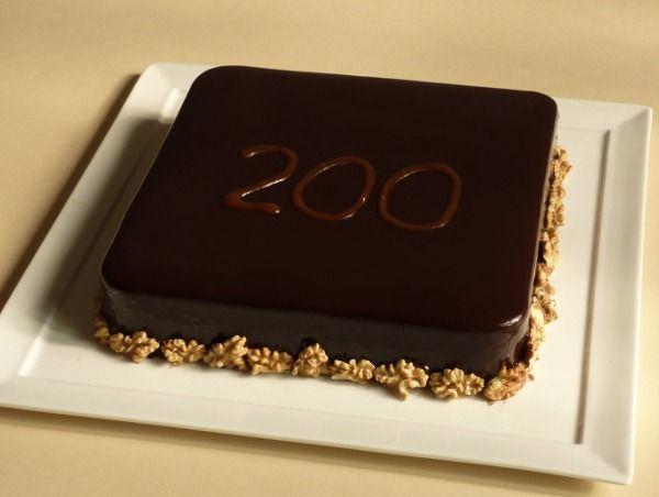 Torta noci caramello cioccolato