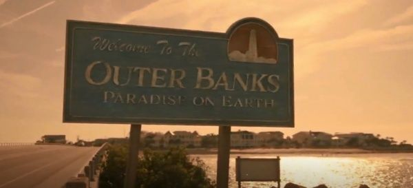 Outerbanksedit Outerbanks Netflix Madisonbailey Madelyncline Jonathandavis Austinnorth Rudypankow Cha In 2020 Outer Banks Paradise On Earth Three Best Friends