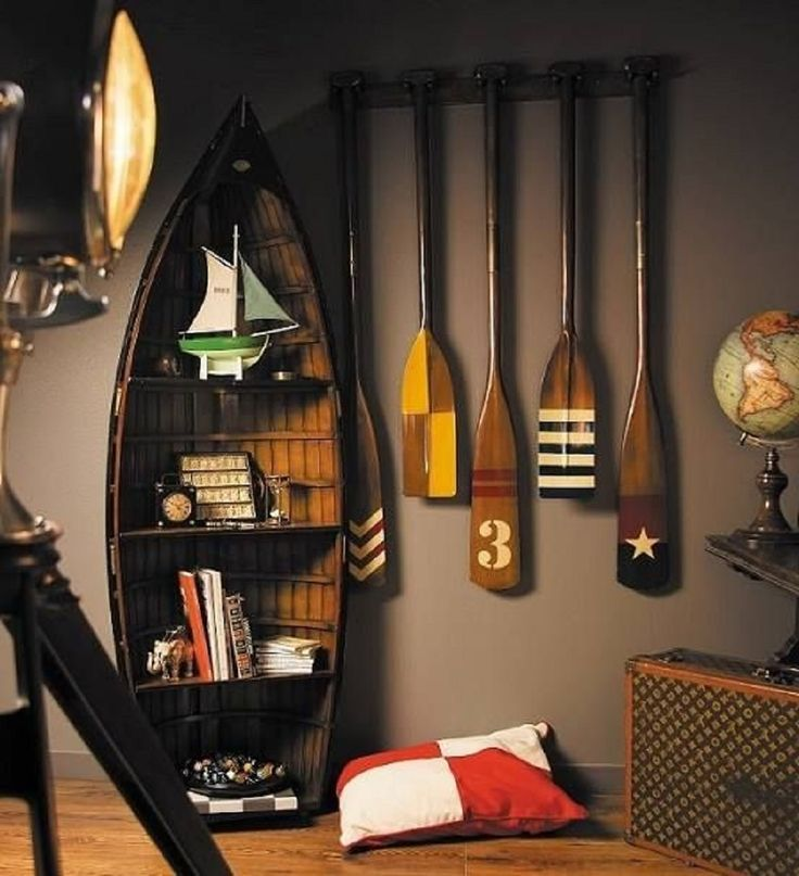 Decorative wooden oars and nautical decor for Interior decoration accessories