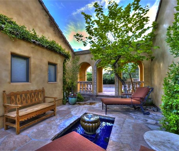 38 best ideas about courtyard on pinterest front for Spanish courtyard ideas