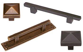 32 best craftsman kichen images on pinterest artisan for Craftsman style kitchen hardware