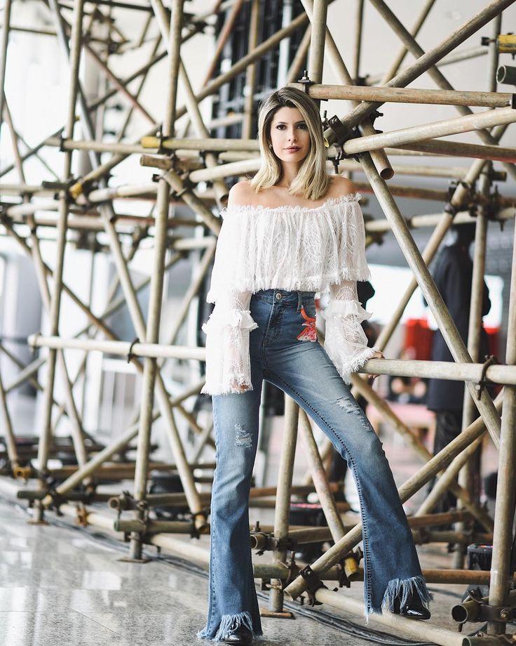 Sabe uma das peças que mais uso na vida? É o jeans! Aposto que a de vocês também né? O mais legal é se sentir bem vestida no belo e tradicional jeans de todo dia