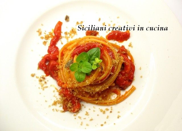 Linguine con crema di peperoni e briciole di pane | SICILIANI CREATIVI IN CUCINA |