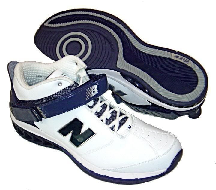 New Balance Mens Basketball Shoes Navy Blue White New in the Box