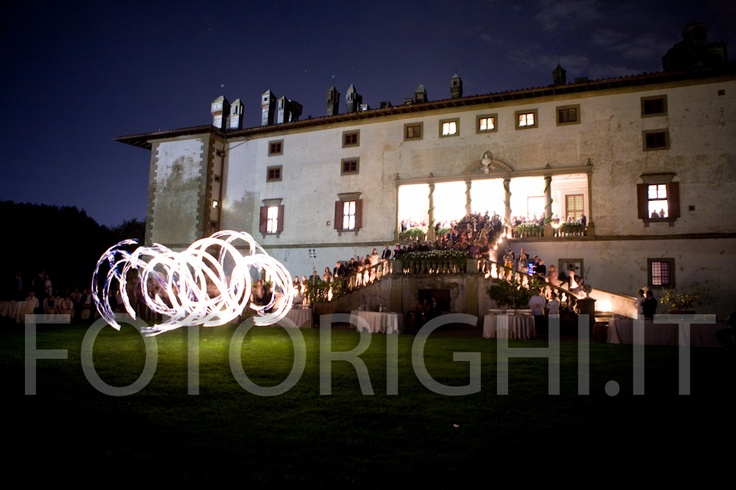The villa Artimino in the hills of Carmignano in Prato, perfect location for the wedding out of town but easy to reach. The Studio Fotografico Righi for 60 years photographing weddings and events on this magical hill. www.studiofotograficorighi.it