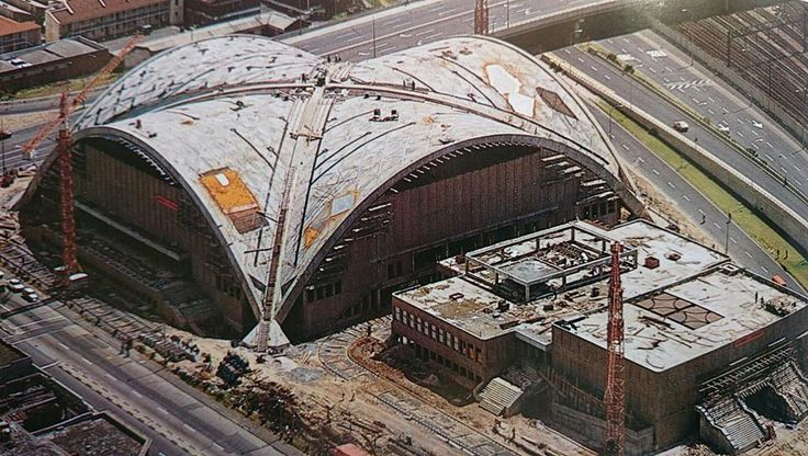 Construction of the Good Hope Centre in the 70's.