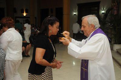 Armario de Noticias: Cronistas Sociales  celebran misa por décimo sexto...