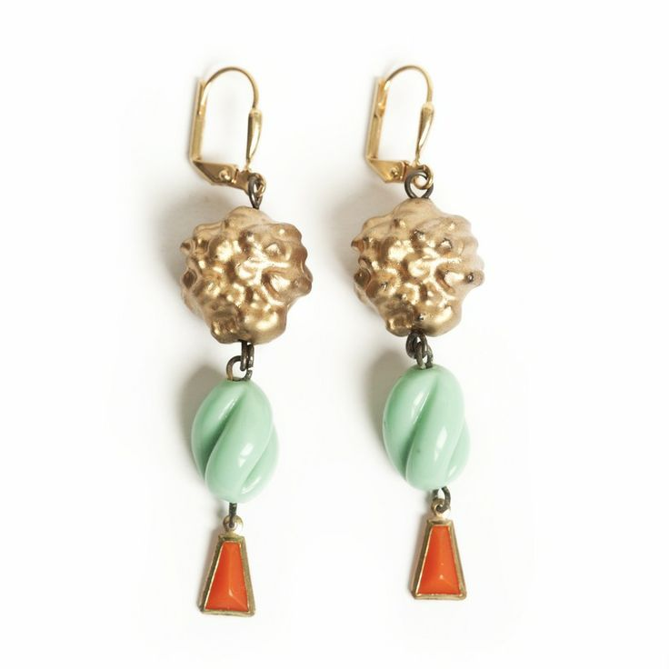 Vintage beads on goldplated earwire