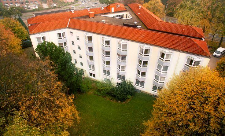Bestandspflegeimmobilie in Salzgitter-Bad im Vertrieb. Investoren können hier von einer Mietrendite von 4,9% p.a. profitieren. Mehr Informationen finden Sie hier: http://www.ott-kapitalanlagen.de/pflege-immobilien/pflegeheim-kaufen-als-kapitalanlage-in-niedersachsen-salzgitter-bad.html