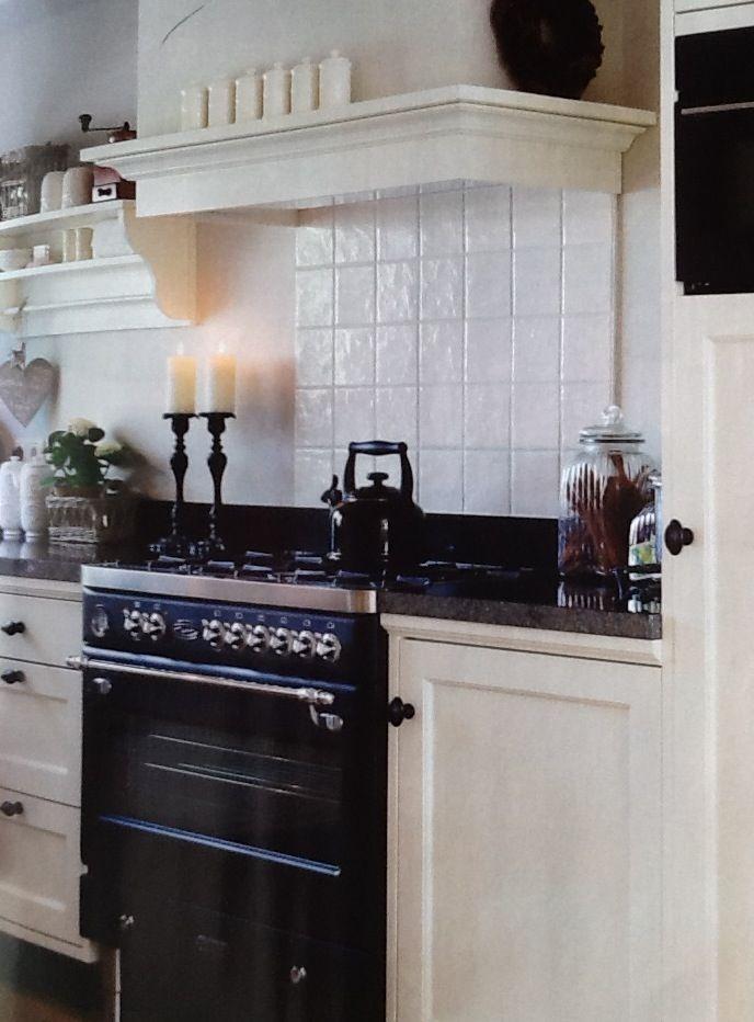 Schmidt kitchen, fornuis is van Fratelli Wonen landelijke stijl