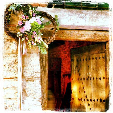 beautiful entrance decoration at Nasioutzik wedding #wedding #nasioutzik #decoration
