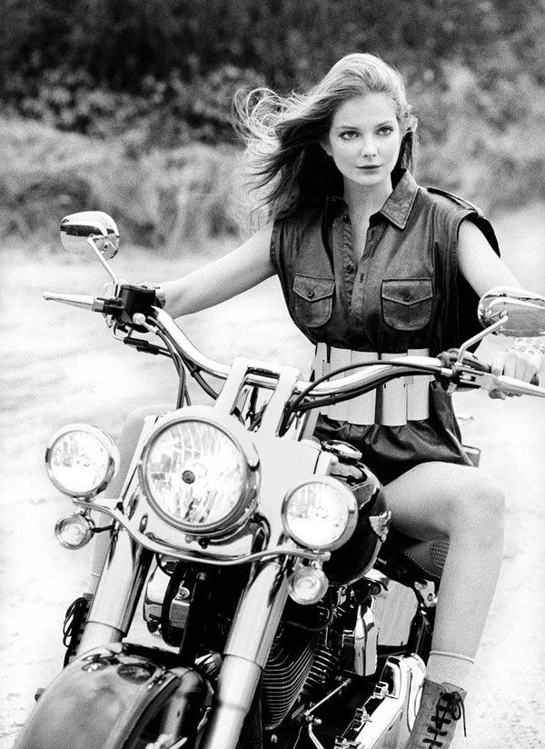 Salutations kissiennes. - Page 22 D6b22601b897f77b239f6fb6d09cc753--hd-motorcycles-girls-on-motorcycles