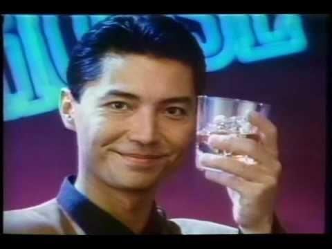 1987年の映画「ラスト・エンペラー」で中国の清朝最後の皇帝となった主役の愛新覚羅溥儀を演じて大人気となったジョン・ローン。またミッキー・ローク主演の映画「イヤー・オブ・ザ・ドラゴン」では、悪役ながらクールなかっこよさに、思わず…(胸きゅん)…そんな大ファンだったジョン・ローンについてまとめてみます。