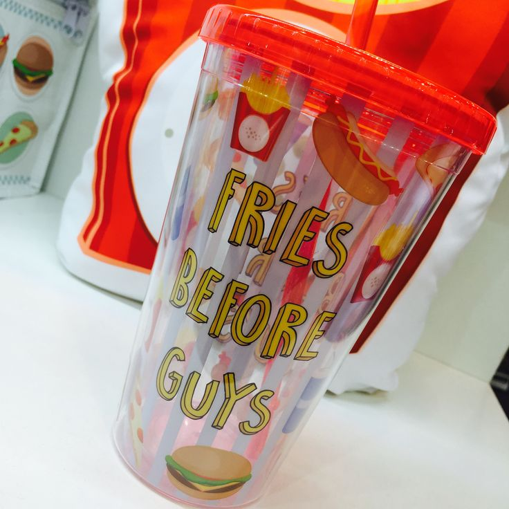 Plastová sklenice s dvojtou stěnou, s víčkem a brčkem z kolekce #FastFood - Fries Before Guys #drinkingcup #giftware
