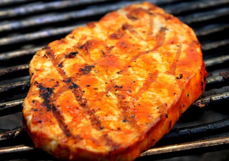 Se recomienda la elección de cervezas ligeras y suaves para acompañar las carnes de cerdo grasas