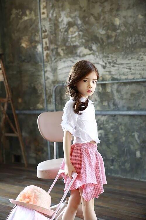 K Baby Model Lauren Hanna Lu...