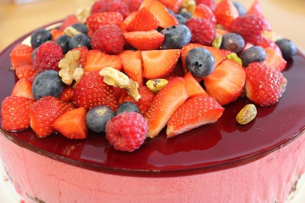 Mine Oppskrifter: Bringebærmousse-kake
