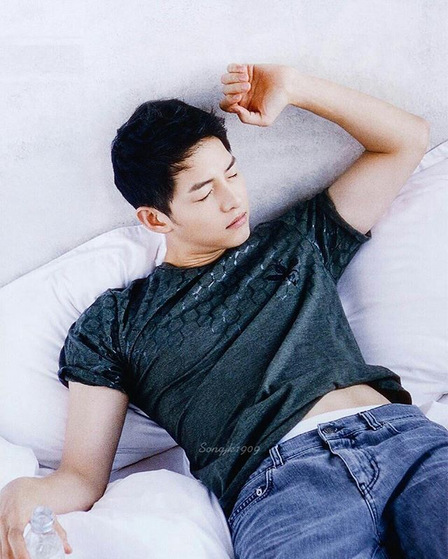 I'm going to be stuck in my Song Joong Ki and Song Hye Kyo obsession for a while. I have a bunch of other celebrity pictorials that I gathered and could put ...