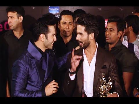 CHECKOUT Shahid Kapoor and Varun Dhawan's MASTI at Life Ok Screen Awards 2015.