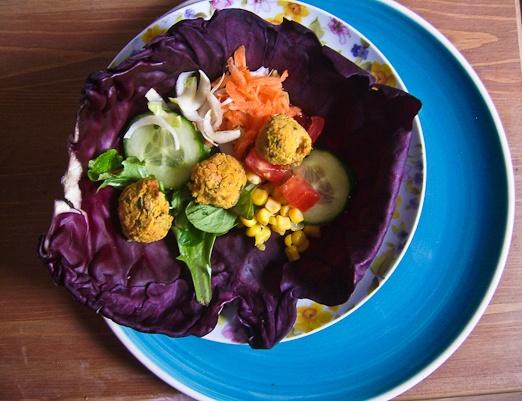 Butternut Squash Falafel in Kale Leaves by notyourmammasdinner: So pretty!  #Butternut_Squash #Falafel #notoyourmmammasdinnerVeg Recipe, Squashes Falafels, Butternut Falafels, Food And Drink, Kale Leaves, Baking Butternut Squashes, Red Kale, Healthy Baking, Baking Falafels