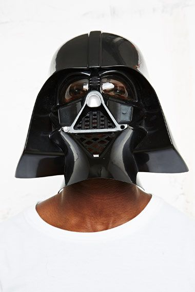 Darth Vader Mask bei Urban Outfitters
