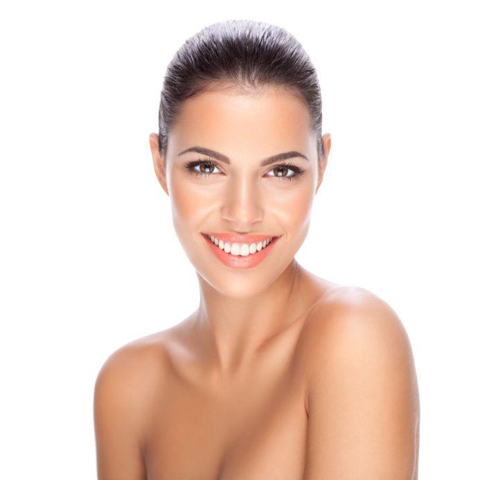 Schoonheidssalon Mooie Huid. Voor alle gelaatsbehandelingen ( anti-aging, couperose, acné,pigment). Er wordt gewerkt met de huidverbeterende producten van environ en de Minerale make-up van Jane Iredale. U an ook bij ons terecht voor make-up(dag/avond/bruid/feest), Medische pedicure, Gelish (geen gelnagels!), Hotstone Massage, kleuren van wimpers en wenkbrauwen. 0488/685 566