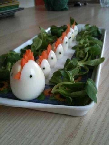 Hard boiled eggs that look like roosters. #Egg #Breakfast