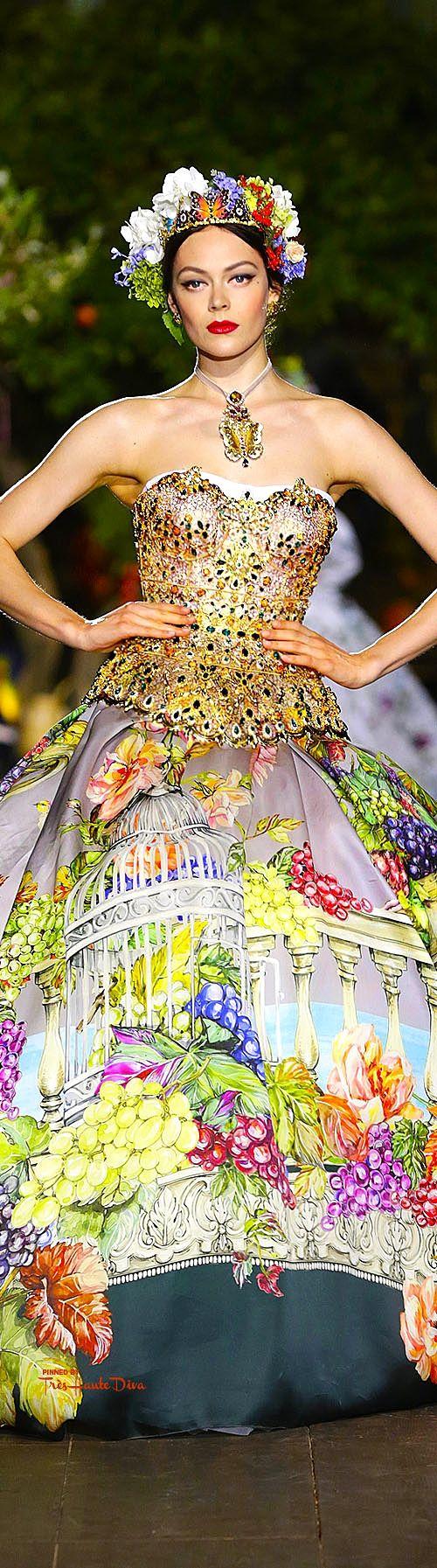 Dolce & Gabbana Alta Moda Fall/Winter 2015-16 ♔ For more images visit my website www.treshautediva...